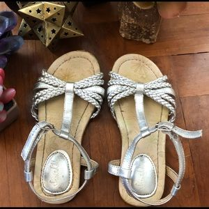 Other - Girls silver sandals apron size 9